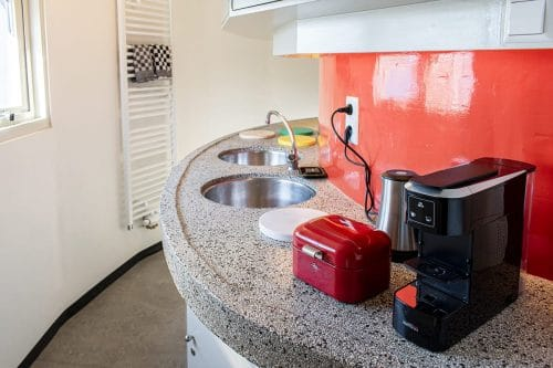 Photo of SWEETS hotel Amsterdam Center bridge house Kortjewantsbrug interior kitchen pantry coffee machine