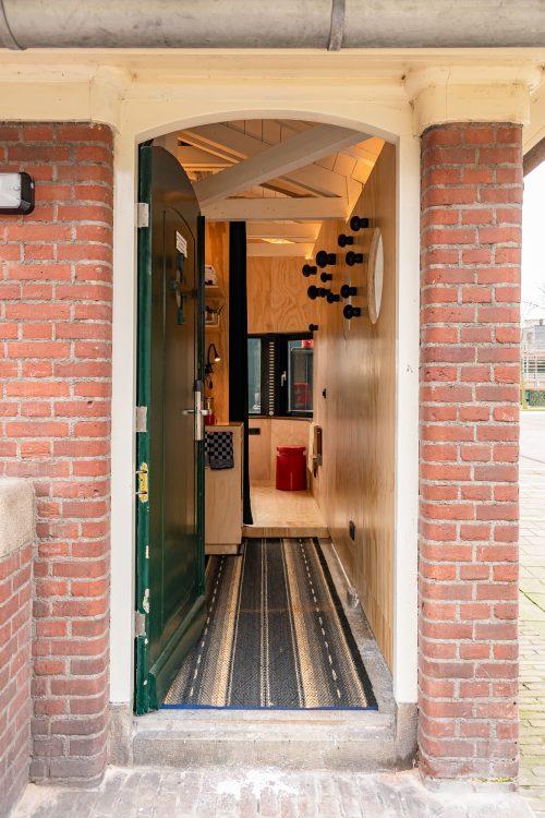 Entrance of SWEETS hotel's bridge house Omvalbrug
