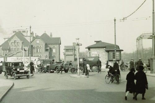Old picture of bridge house Willemsbrug