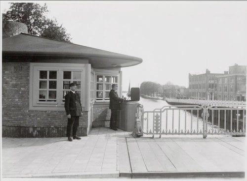 Photo of SWEETS hotel Amsterdam West_bridge house Zeilstraatbrug_exterior_history_bridge keepers_brugwachters