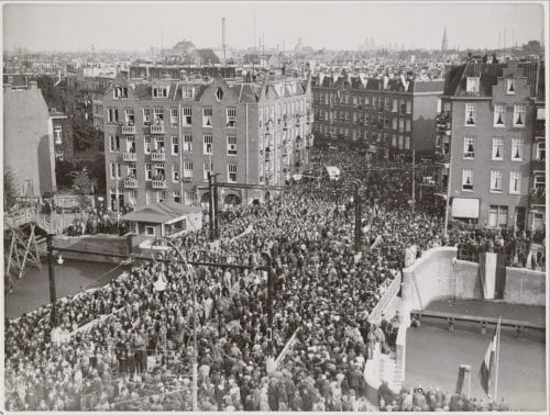 Kinkerbrug opening in 1937, history of canal bridges in amsterdam, bridge house history - SWEETS Hotel Amsterdam