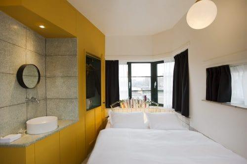 Photo of SWEETS hotel Amsterdam bridge house Kattenslootbrug interior